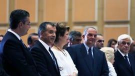 Ο Σταύρος Θεοδωράκης με τους: Απόστολο Τζιτζικώστα, Όλγα Γεροβασίλη και Κώστα Καραμανλή