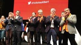 Στο τέλος της ομιλίας, με την ηγεσία των Ciudadanos