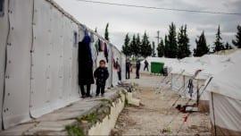 prosfuges refugees metanastes metanasteftiko