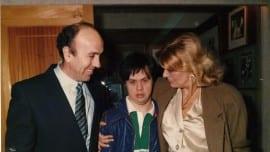 Ο Λεωνίδας Τσοκόπουλος με την Μελίνα Μερκούρη υπουργό τότε Πολιτισμού και τον Μανόλη Τσακίρη, σε μια εκδήλωση για το «ΜΑΡΓΑΡΙΤΑ»