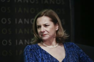 "Margarita Pournara discusses with the leader of the To Potami Party Stavros Theodorakis at IANOS CAFÉ in Athens on January  11 2017 / Συζήτηση του επικέφαλη του Ποταμιού, Σταύρο Θεοδωράκη με τη Μαργαρίτα Πουρναρά στις ""Απρόβλεπτες Συναντήσεις"" στο café του ΙΑΝΟΥ, στην Αθήνα, στις 11 Ιανουαρίου, 2017"
