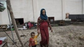 refugees oreokastro prosfuges