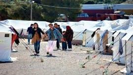 prosfuges hotspots refugees metanastes