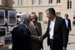 Ο Σταύρος Θεοδωράκης χαιρετά τον Πρόεδρο του Αρείου Πάγου, Βασίλειο Πέππα