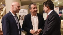 Ο Γιώργος Αμυράς και ο Σταύρος Θεοδωράκης με το πρόεδρο του ΣΕΒ Θεόδωρο Φέσσα